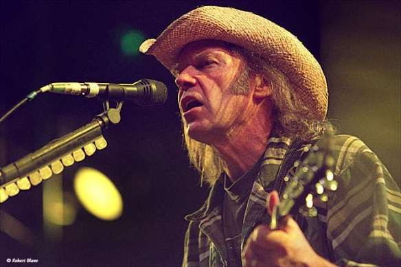 Harvest, Neil Young Harvest Moon, Needle and the Damage Done, Old Man, Heart of Gold