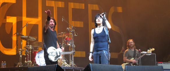 joan jett foo fighters, joan jett music midtown, dave grohl